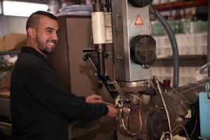 uniflex, smiling worker, hose supplier, clear tubing, pvc adapter